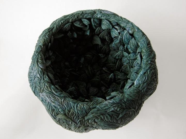 hitomi-hosono-porcelain-sculptures-tropical-botanicals-designboom-06
